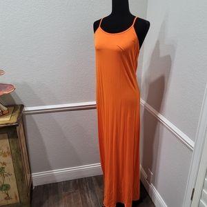 ⬇️ Fabletics maxi dress